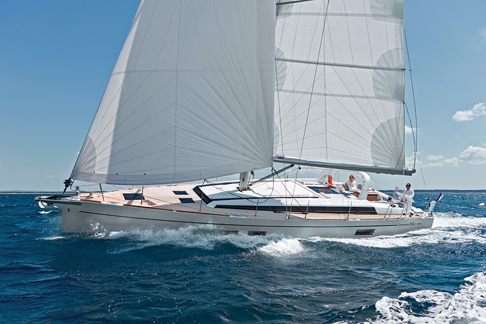 Oceanis 55.1: The Blue-Water Cruising Standard
