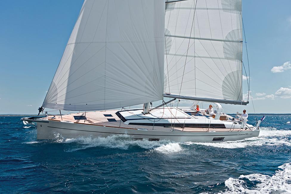 Oceanis 55.1: The Blue-Water Cruising Standard